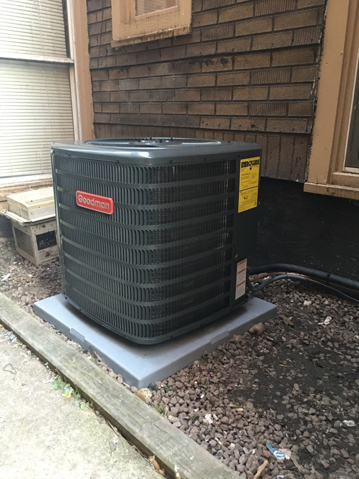 Just finish installing a brand new Goodman 13 seer Gsx condenser and furnace  in N Albany Ave, Chicago, IL, USA.